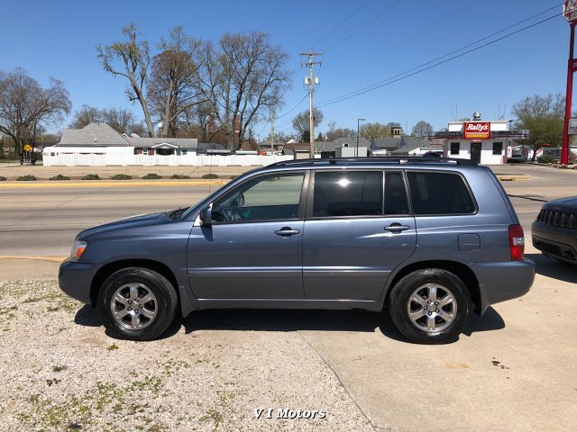 2005 Toyota Highlander V6 2WD with 3rd-Row Seat 5-Speed Automa